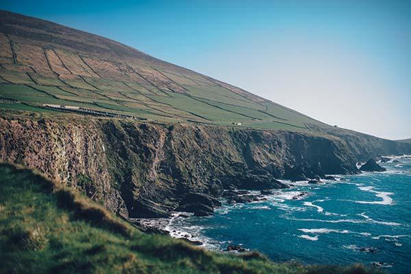 Tömött repülőkkel járnak ír fiatalok a Kanári-szigetekre